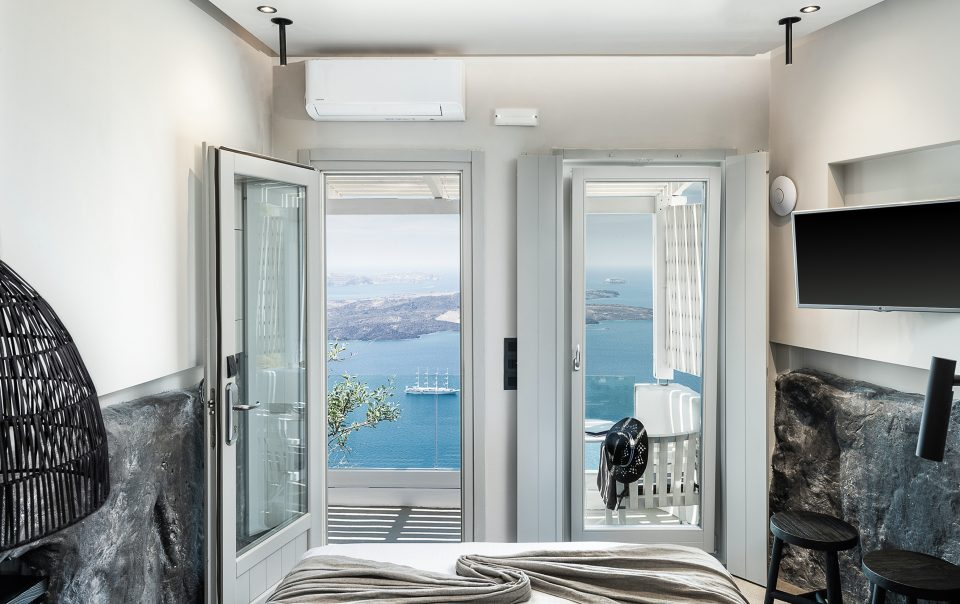On The Rocks Santorini-Honeymoon-Suite